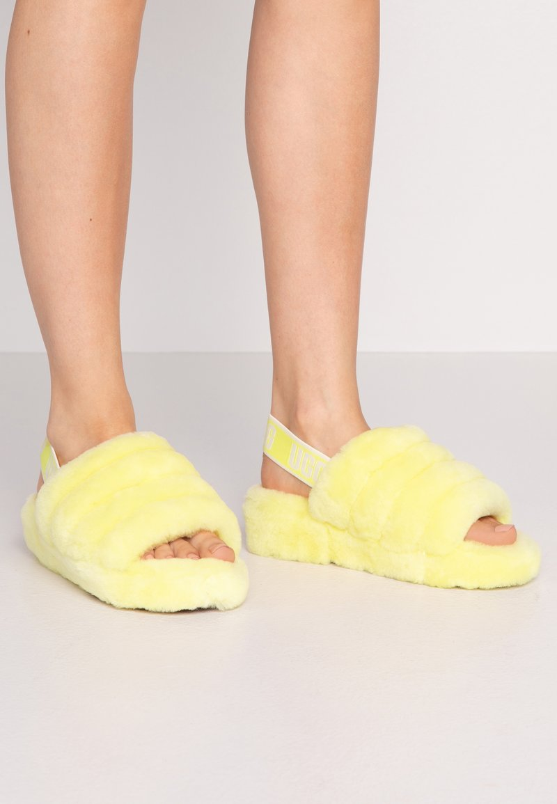 UGG - FLUFF YEAH SLIDE  - Chaussons - neon yellow