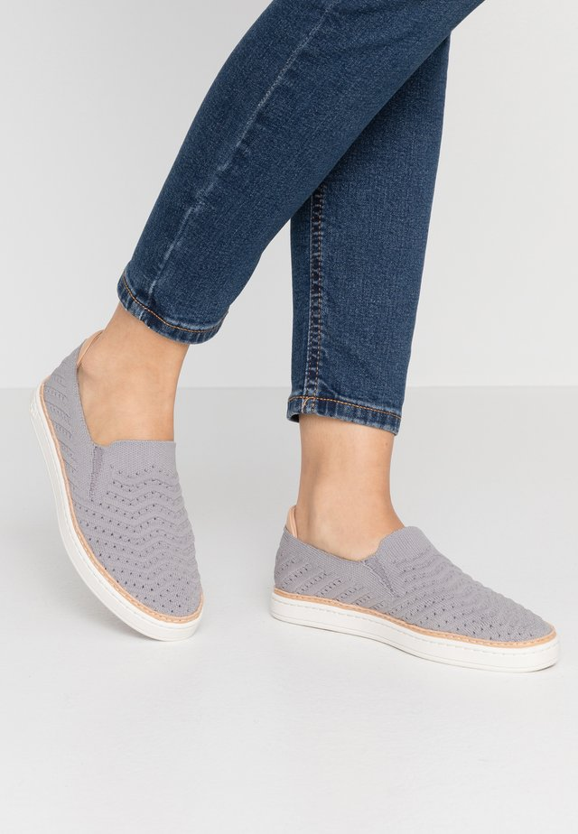 SAMMY CHEVRON - Mocassins - grey