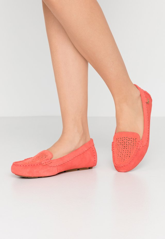 BEV - Mocassins - pop coral