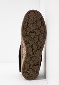 UGG - VARNEY - Kotníková obuv - slate - 6