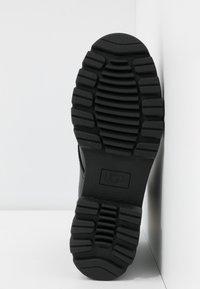 UGG - DAREN - Bottines à lacets - black - 6