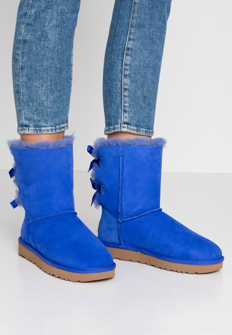 UGG - BAILEY BOW - Classic ankle boots - deep periwinkle