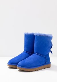 UGG - BAILEY BOW - Classic ankle boots - deep periwinkle - 4