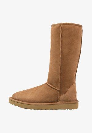 CLASSIC II - Boots - chestnut