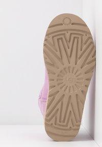 UGG - CLASSIC MINI II - Korte laarzen - california aster - 6