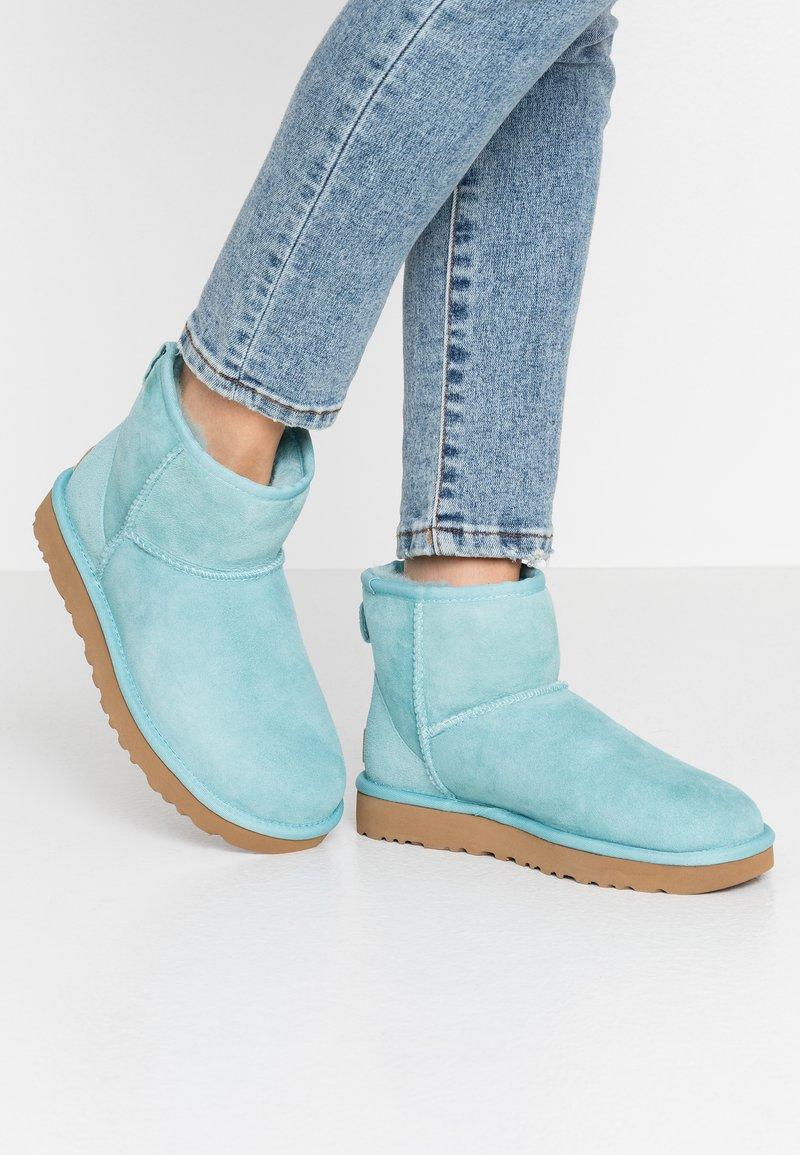 UGG - CLASSIC MINI II - Ankle boots - blue crush