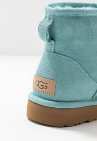 UGG - CLASSIC MINI II - Ankle boots - blue crush - 2