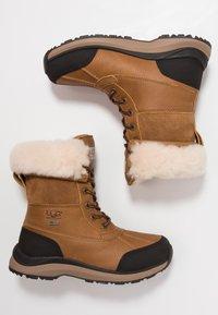 UGG - ADIRONDACK III - Zimní obuv - chestnut - 3
