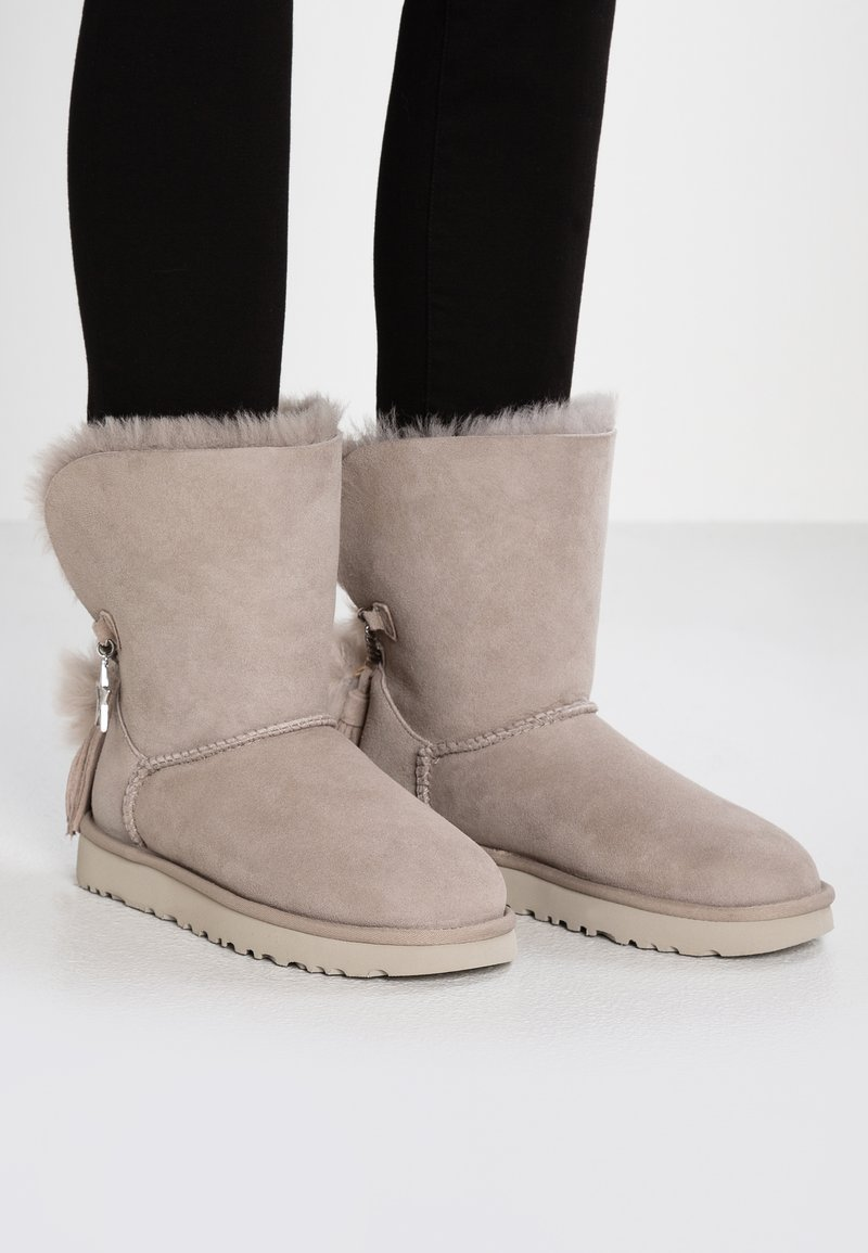 UGG - CLASSIC CHARM - Classic ankle boots - willow