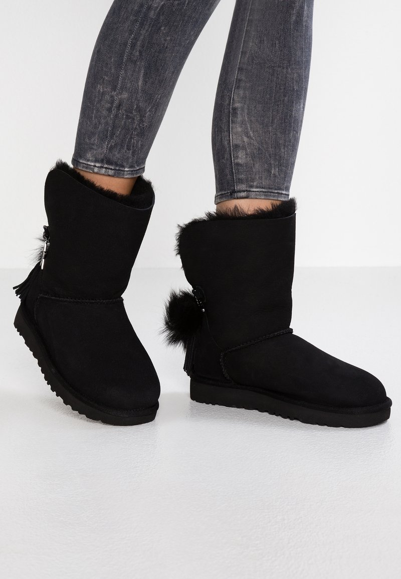 UGG - CLASSIC CHARM - Classic ankle boots - black