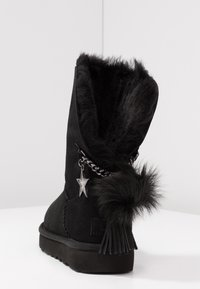 UGG - CLASSIC CHARM - Classic ankle boots - black - 5