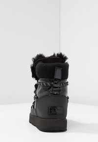 UGG - HIGHLAND WATERPROOF - Vinterstøvler - black - 5