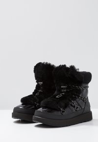 UGG - HIGHLAND WATERPROOF - Vinterstøvler - black - 4