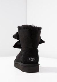 UGG - GITA BOW MINI - Stiefelette - black - 5