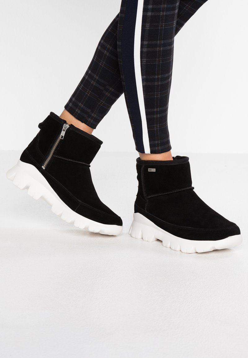UGG - PALOMAR - Winter boots - black