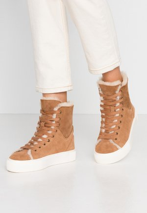 BEVEN - High-top trainers - chestnut