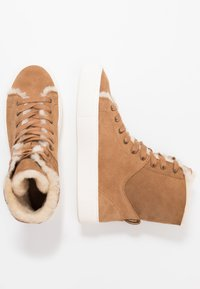 UGG - BEVEN - High-top trainers - chestnut - 4