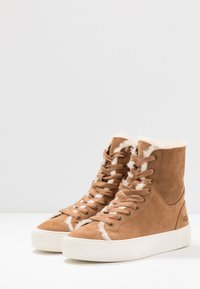 UGG - BEVEN - High-top trainers - chestnut - 3