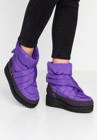 UGG - MONTARA - Zimní obuv - violet bloom - 0
