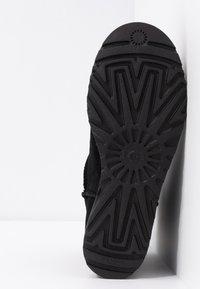 UGG - CLASSIC FEMME MINI - Ankle boot - black - 6