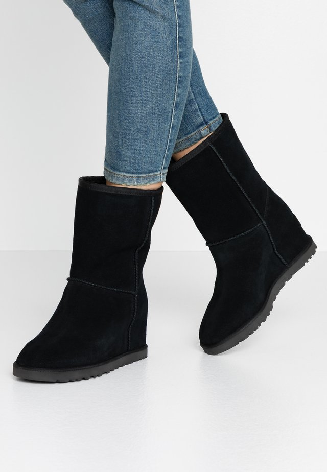 CLASSIC FEMME SHORT - Wedge Ankle Boots - black