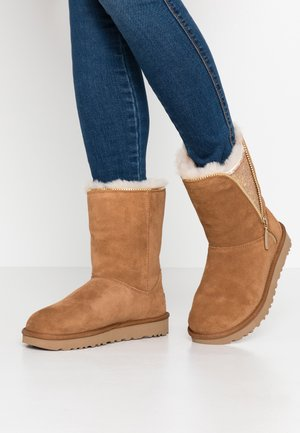 CLASSIC ZIP BOOT - Classic ankle boots - chestnut