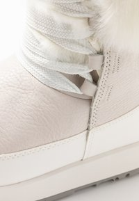 UGG - GRACIE WATERPROOF - Winter boots - white - 2
