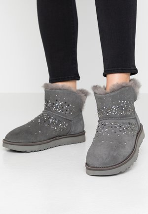 CLASSIC GALAXY BLING MINI - Botines bajos - charcoal