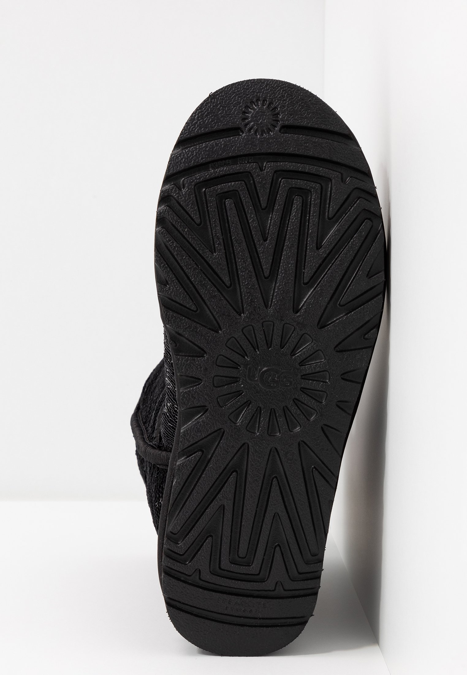 UGG CLASSIC SHORT COSMOS SEQUIN - Støvletter - black/gunmetal