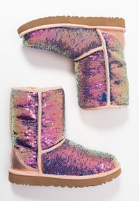 UGG - CLASSIC SHORT COSMOS SEQUIN - Classic ankle boots - quartz - 3