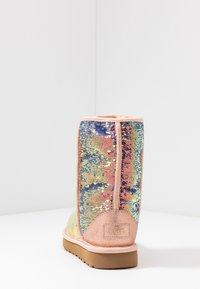 UGG - CLASSIC SHORT COSMOS SEQUIN - Classic ankle boots - quartz - 5