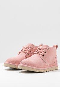 UGG - NEUMEL - Ankle boots - light pink - 4
