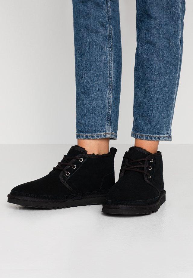 NEUMEL - Korte laarzen - black