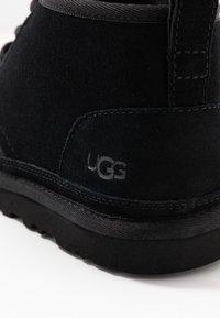 UGG - NEUMEL - Korte laarzen - black - 2