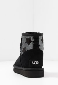 UGG - CLASSIC MINI SEQUIN STARS - Classic ankle boots - black - 5