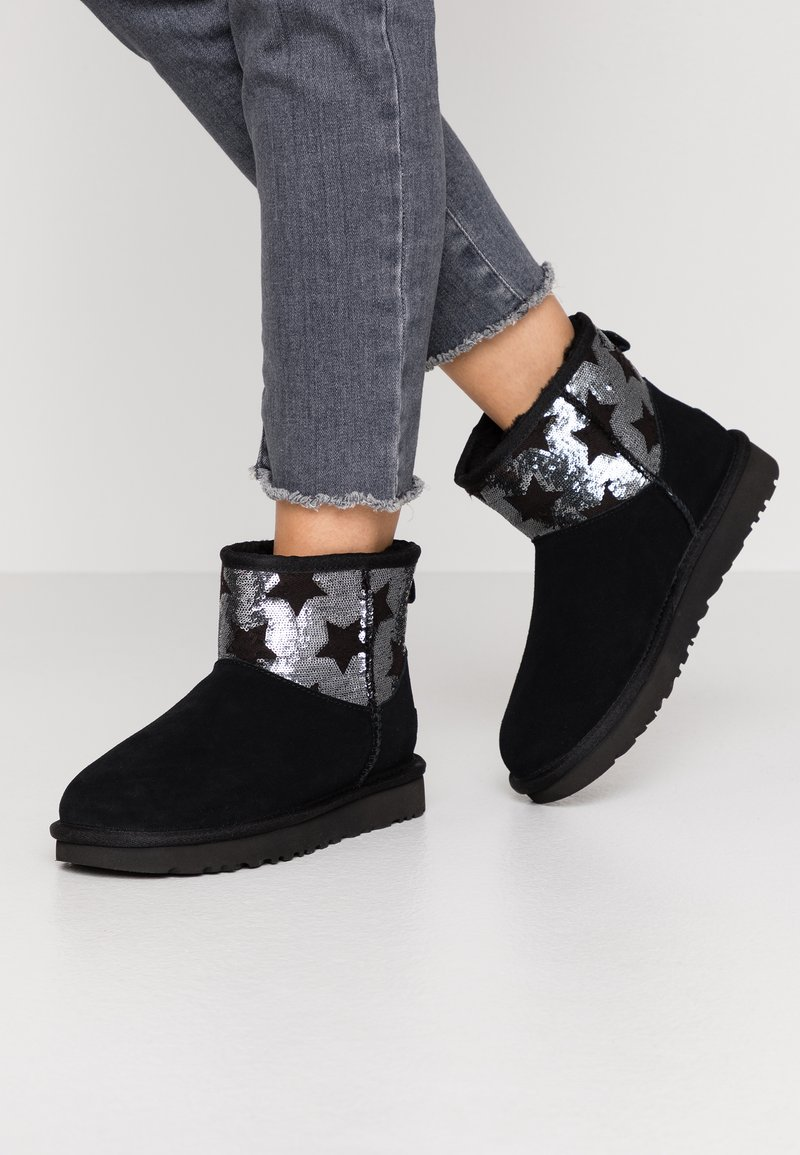 UGG - CLASSIC MINI SEQUIN STARS - Classic ankle boots - black