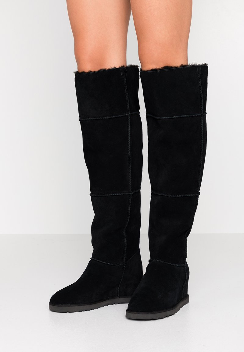 UGG - CLASSIC FEMME  - Wedge boots - black