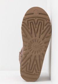 UGG - CLASSIC MINI II - Classic ankle boots - mole - 6