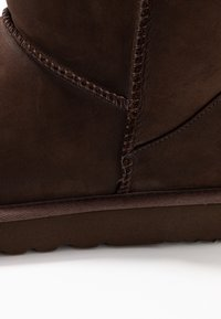 UGG - CLASSIC MINI - Classic ankle boots - brownstone - 2
