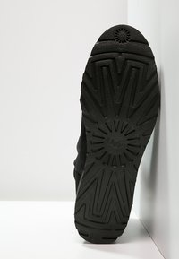 UGG - KRISTIN - Wedge Ankle Boots - black - 5