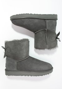 UGG - MINI BAILEY BOW - Classic ankle boots - grey - 2