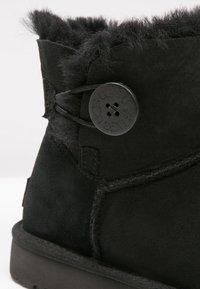UGG - BAILEY - Kotníkové boty - black - 2