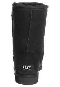 UGG - CLASSIC SHORT - Winter boots - black - 1