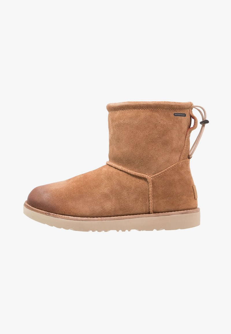 UGG - CLASSIC TOGGLE WATERPROOF - Śniegowce - chestnut