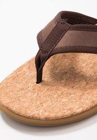UGG - SEASIDE - T-bar sandals - chestnut - 5