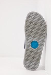 UGG - BROOKSIDE FLIP - T-bar sandals - dark sapphire - 4