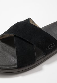 UGG - BROOKSIDE SLIDE - Klapki - black - 5