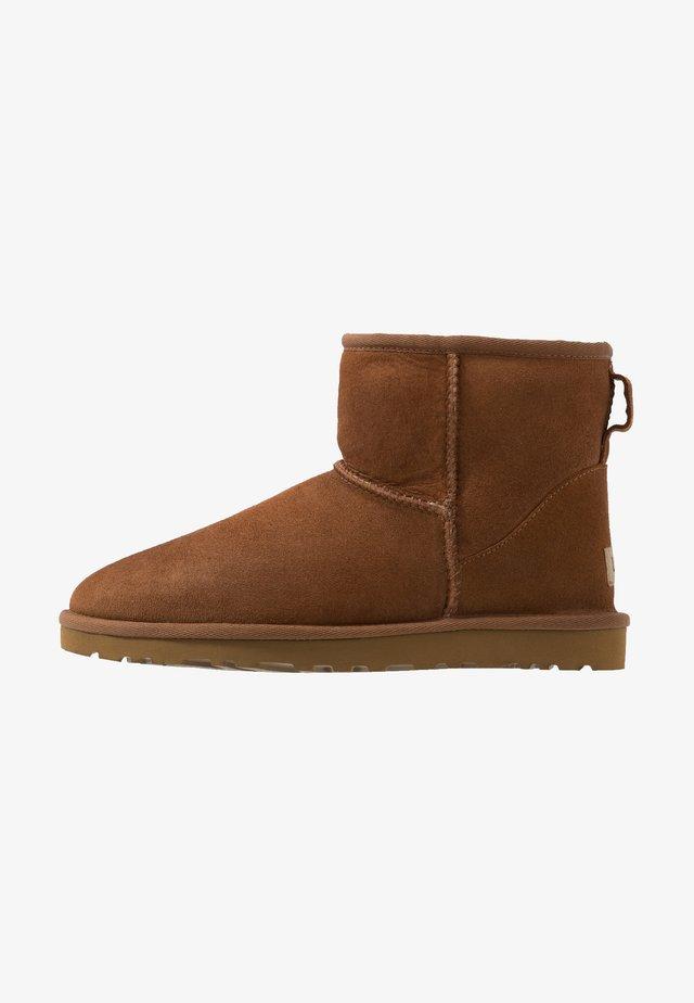 CLASSIC MINI - Classic ankle boots - chestnut
