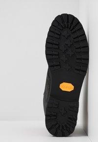 UGG - HARKLAND WP - Lace-up ankle boots - black - 4