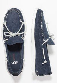 UGG - BEACH MOC SLIP ON - Buty żeglarskie - navy - 1